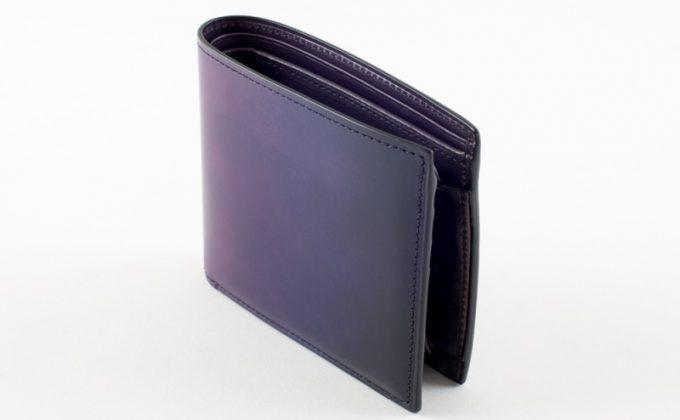YVE130二つ折り財布