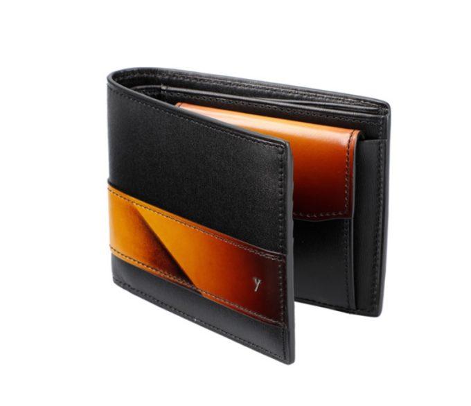 YSS132二つ折り財布