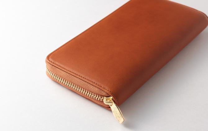 シンプルなデザインの財布