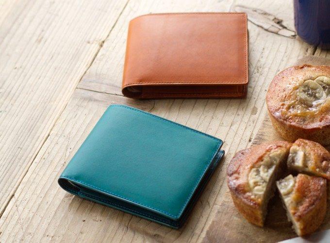 アヤメアンティーコの革の二つ折り財布は男女兼用でおすすめ!
