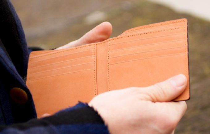 アヤメアンティーコの小銭入れ無し財布