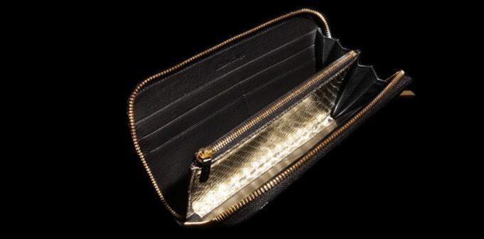財布の内装のゴールドパイソンレザー