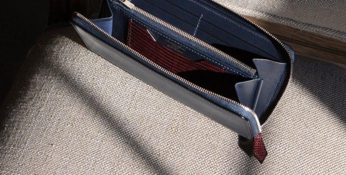 引手と内装のマルチポケットのリザード