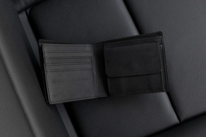 クレイジーヌバック二つ折り財布の内装部