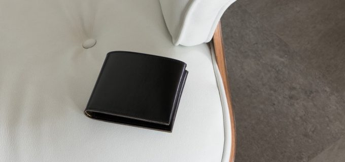 外装の漆黒の革のキップスキン
