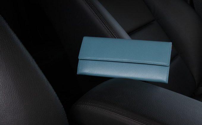 高級感の強いノブレッサカーフカブセ長財布