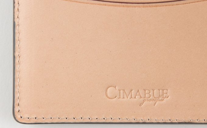 内装に刻印されたCIMABUEgracefulのロゴ