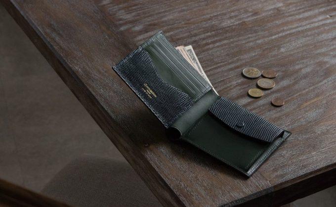 価格が良心的なClevaleathco(クレバレスコ)ブリランテ×リザード二つ折り財布