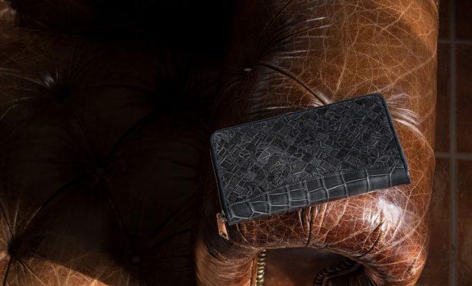 発色の美しいポロサスラウンドジップ長財布(編み込みタイプ)