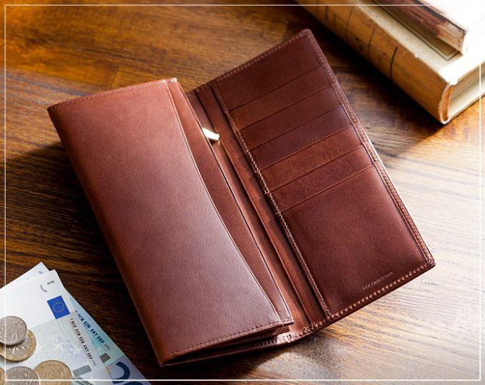 COCOMEISTER(ココマイスター)パティーナシリーズの財布