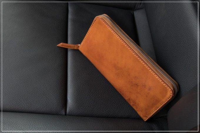 無二(むに)コードバンの財布