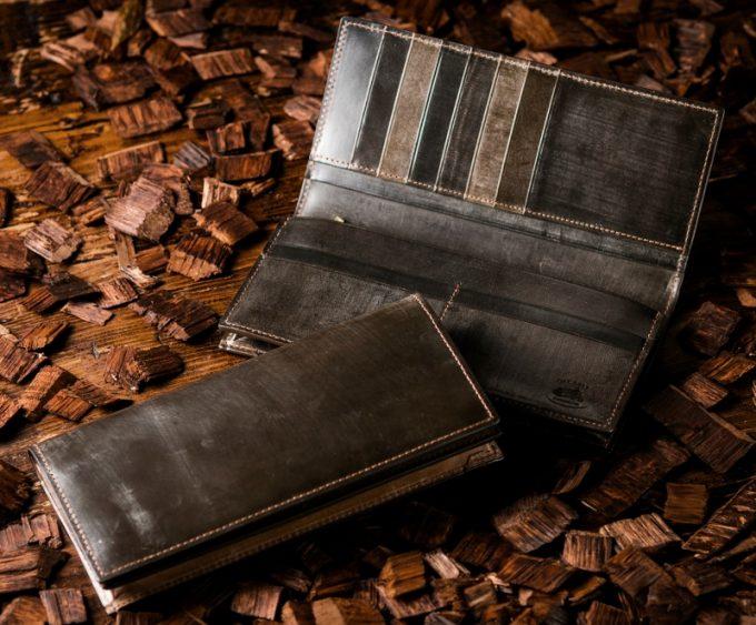 ココマイスターのオークバークの財布