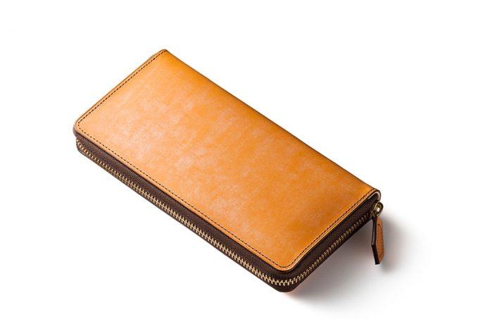 お洒落なキャメルの財布