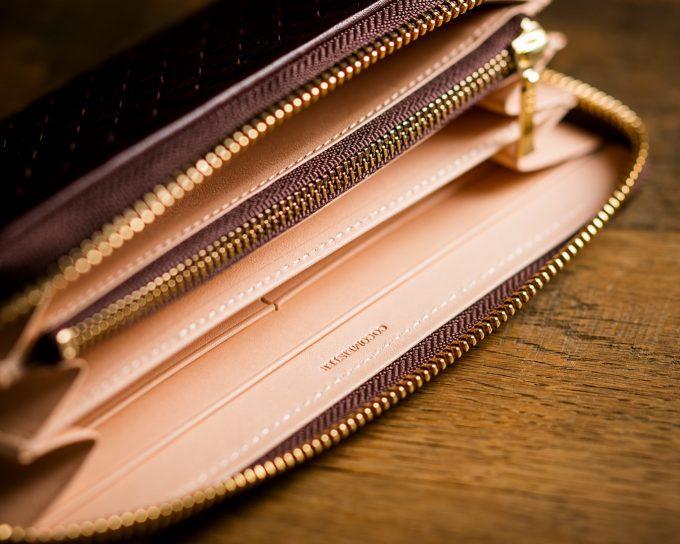 エイジングが素晴らしい内装の欧州ヌメ革