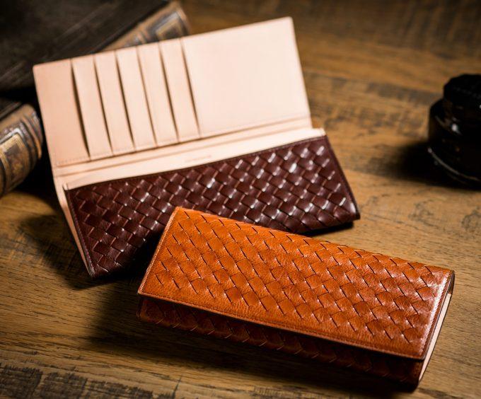 高級感のある編み込み財布マットーネマルチオリヴェート