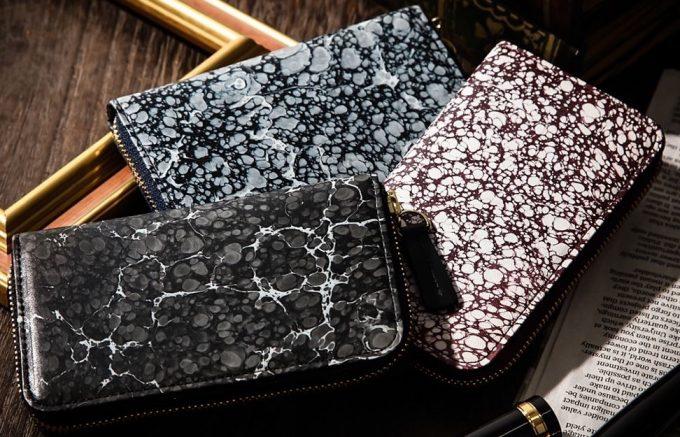 偶然で作られる墨流しの世界で1つだけの柄の財布