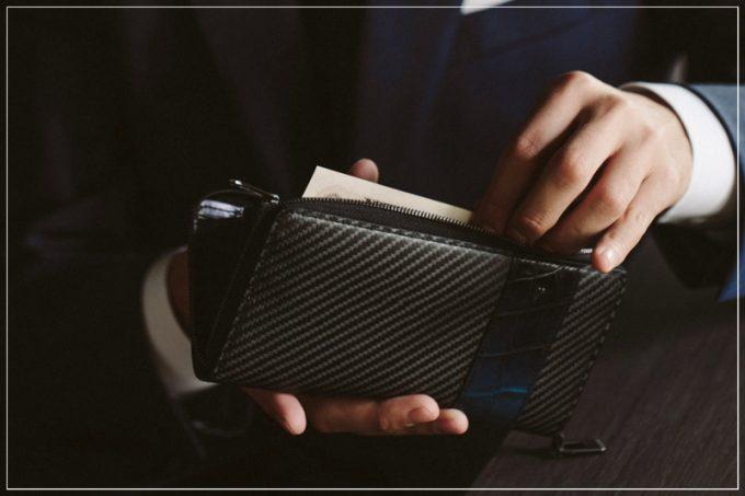 Al contrario(アルコントラリオ)シリーズの財布