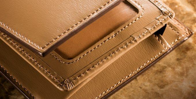 便利なICカードポケット付きの財布