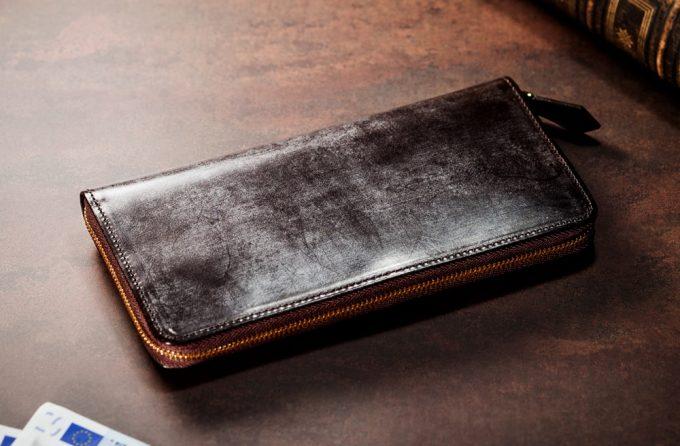 ロウが浮き出るブライドルレザーを使った革財布
