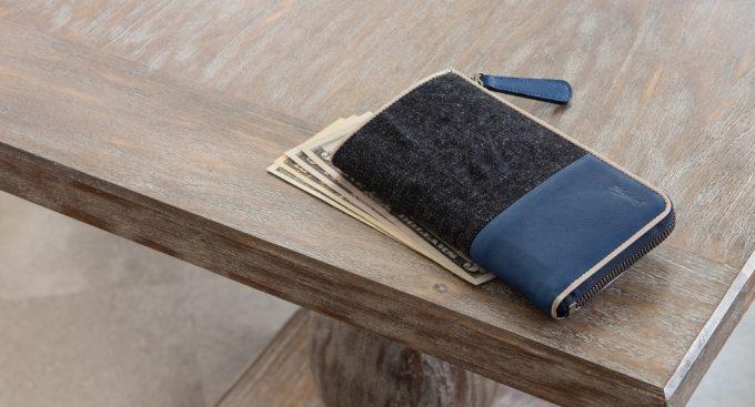 ブルーストーンの財布