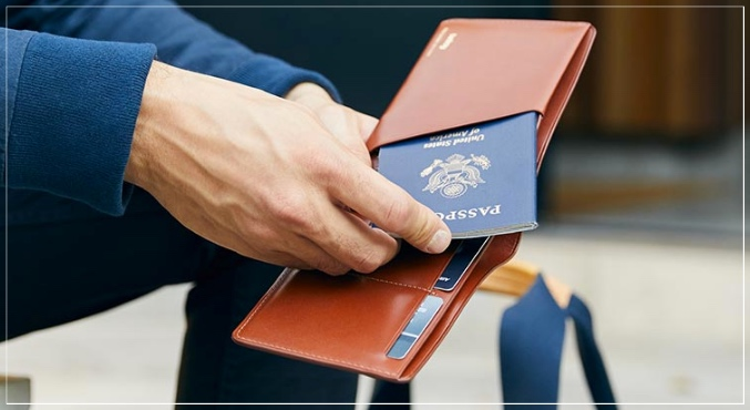 パスポートが入る財布メンズ・レディース共に使えるオススメ品8選!