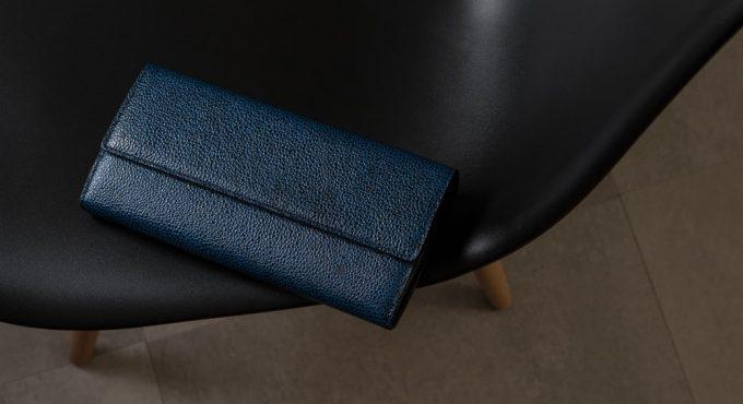 チマブエの漆塗りかぶせ長財布