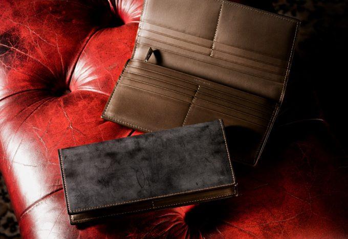 ココマイスターのコードバンクラシックの革財布