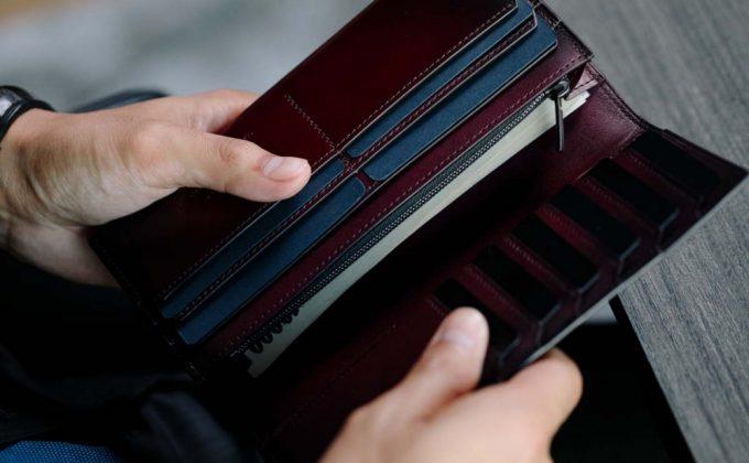 YAC113長財布の収納ポケット