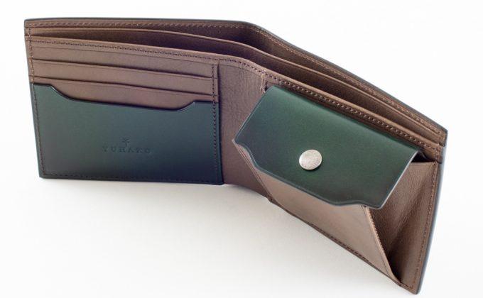 YFC131二つ折り財布
