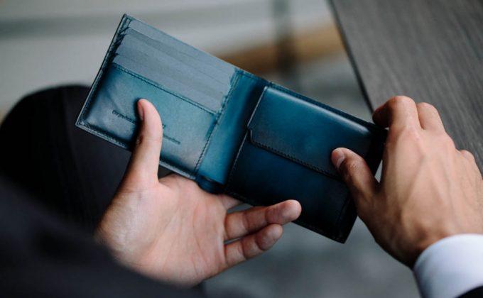 YAC132二つ折り財布の内装