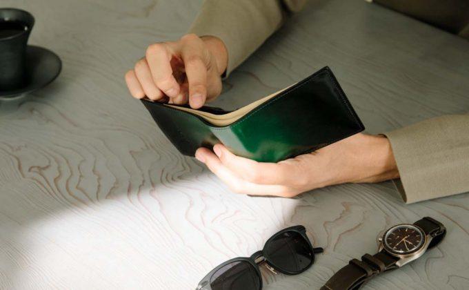 YLO130二つ折り財布