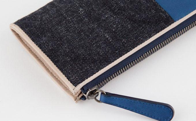 ブルーストーンの山羊革財布の外装部分