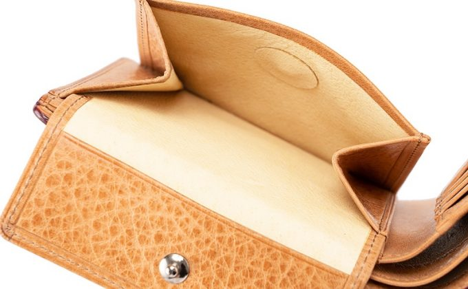 二つ折り財布オイルシェルコードバン&ヴァケッタレザーの小銭入れ部