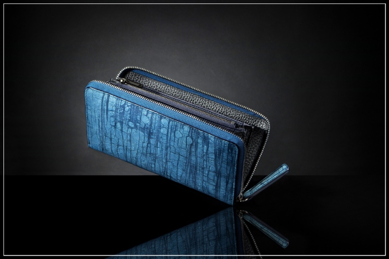 ジュンヤワラシナ・スクモレザーの革財布(藍色)