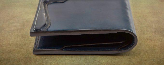 手染めイタリアンレザー長財布の丈夫なコバ