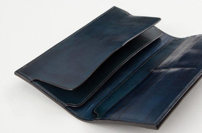 手染めイタリアンレザー長財布の収納ポケット