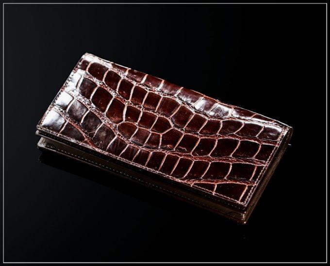 クロコダイルシリーズの革財布