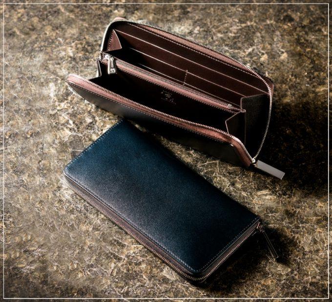 カヴァレオシリーズの革財布