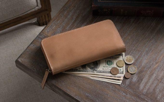 無二(ムニ)のラウンドファスナー長財布