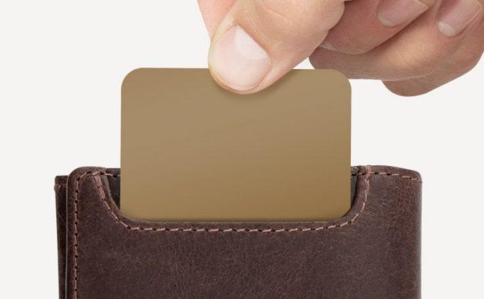 便利な外装のカードポケット