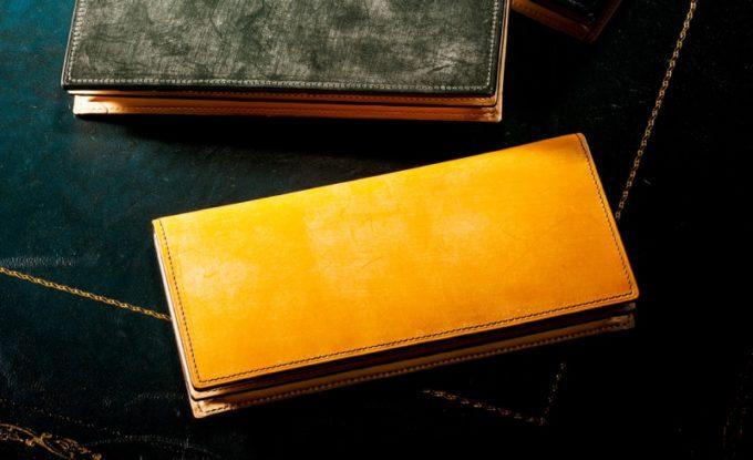 キャメルカラーの長財布(ココマイスター製)