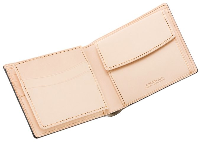 二つ折り財布(ベロ・小銭入れ付き)新コードバン&フルベジタブルタンニンの内装