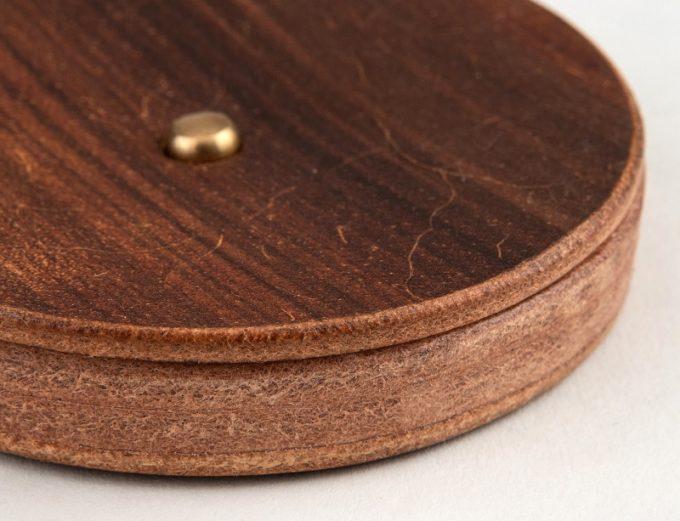 丸形小銭入れ(Round Coin Case)のコバ部分