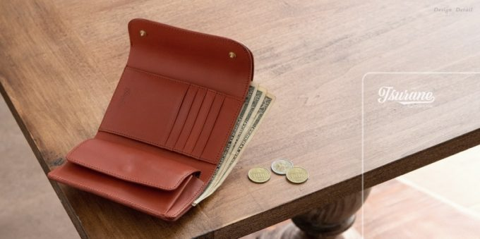 Wホック&Wステッチミニ財布とツラネの文字ロゴ