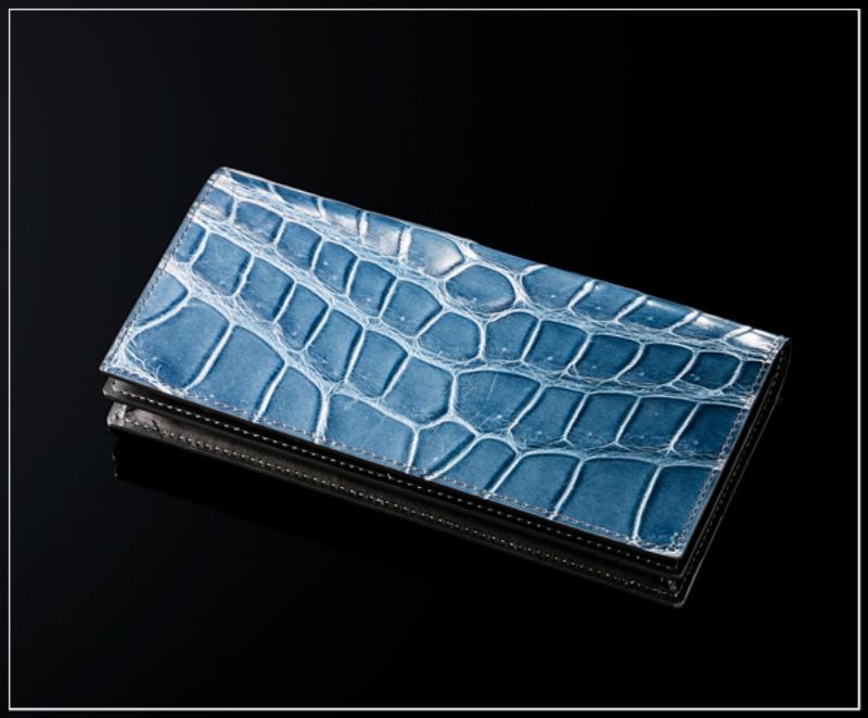 ココマイスター・クロコダイルシリーズの財布