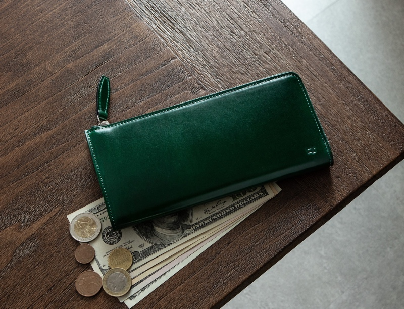 READY OR ORDER(レディ オア オーダー)・L字ジップ長財布