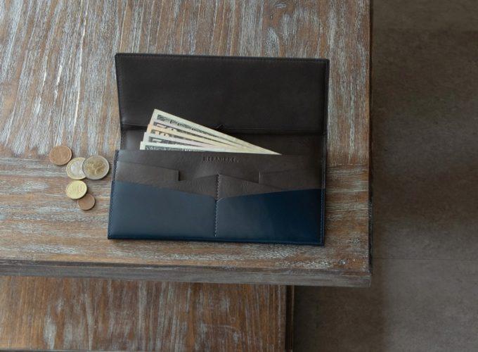 アーキライン長財布の独特なカードポケット