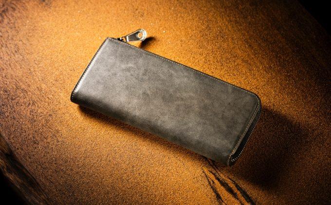 蜃気楼の様な濃淡が特徴が良く分かるカルドミラージュシリーズの財布