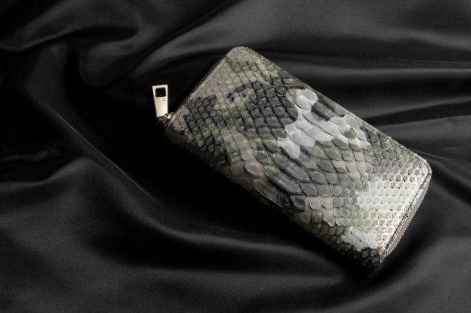 ヘビ革(パイソンレザー)の財布