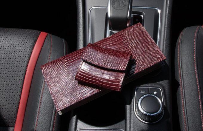 リザード(トカゲ革)の革財布